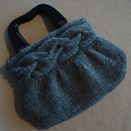 Bag Knitting Patterns : FREE KNITTED HANDBAG PATTERNS   Free Patterns